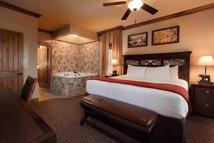 Master/main bedroom