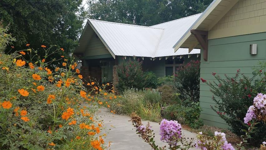 The Bungalow Retreat