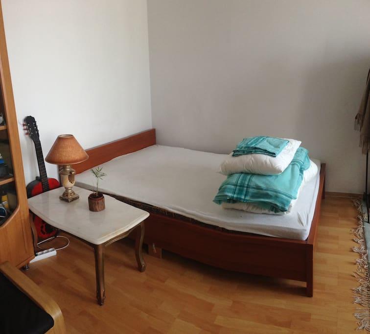 Podwójne łóżko (double bed)
