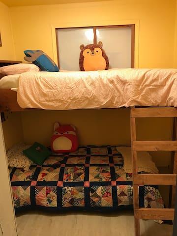 Kid`s Bedroom