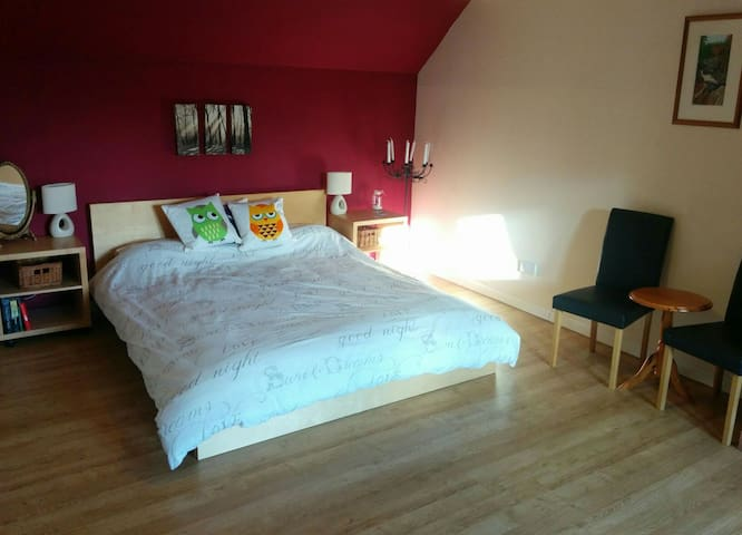Spacious Bedroom in Family Home, Near Edinburgh