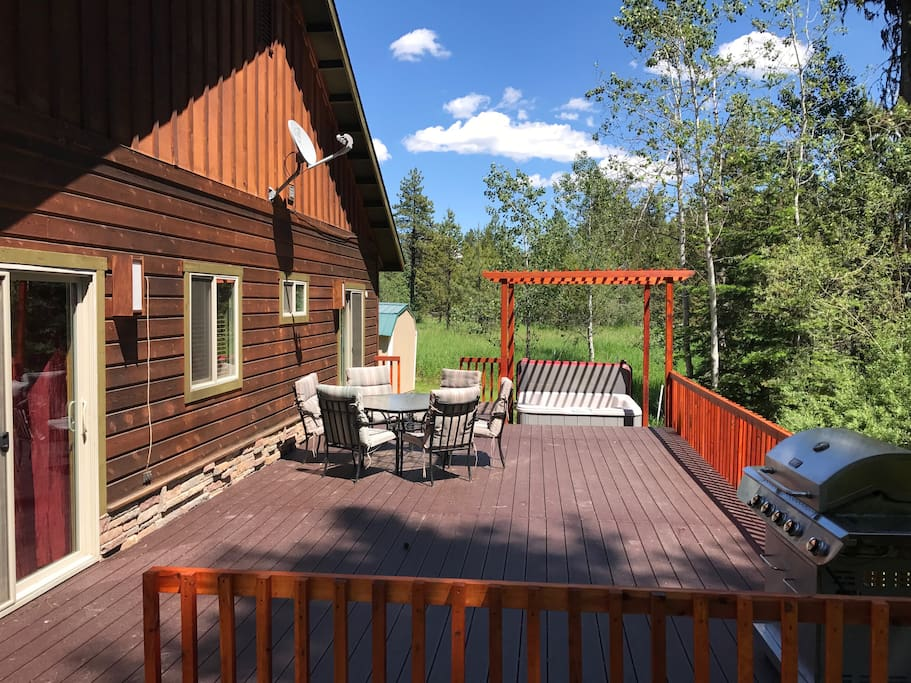 Enjoy barbecuing on the beautiful private deck, overlooking the natural setting.