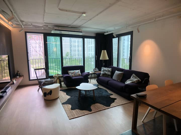 Modern apartment in Pyeong Chang