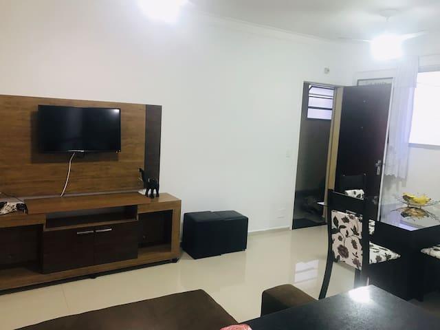 Apartamento bem localizado, no Guarujá !!!!