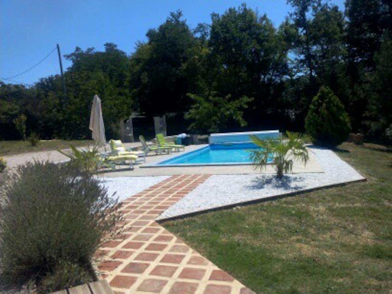 La piscine chauffée dans la nature