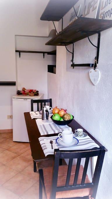 Il nostro piccolo angolo cottura, grazioso comodo e pratico.