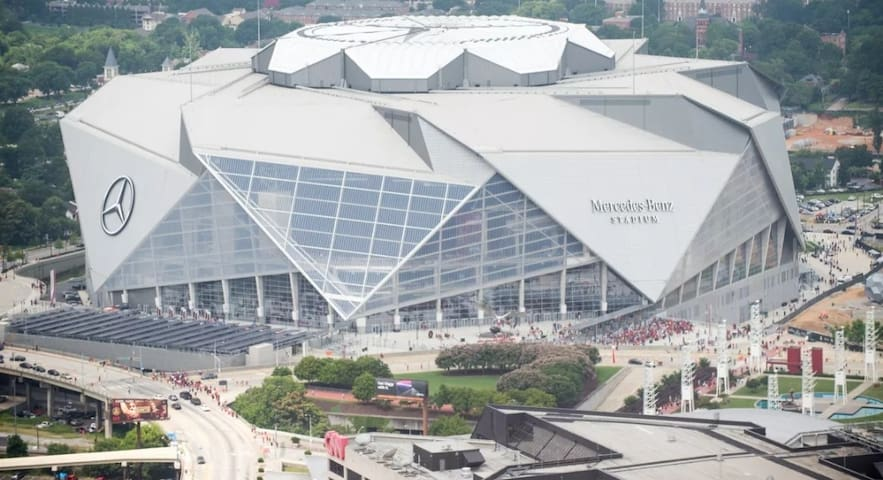 2-Miles From Mercedes-Benz Stadium