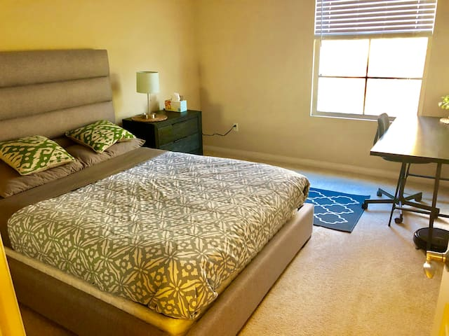 private luxury bedroom in heart of Irvine