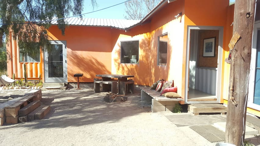 Off the grid eco shipping container @ the vineyard - Ensenada - Loft