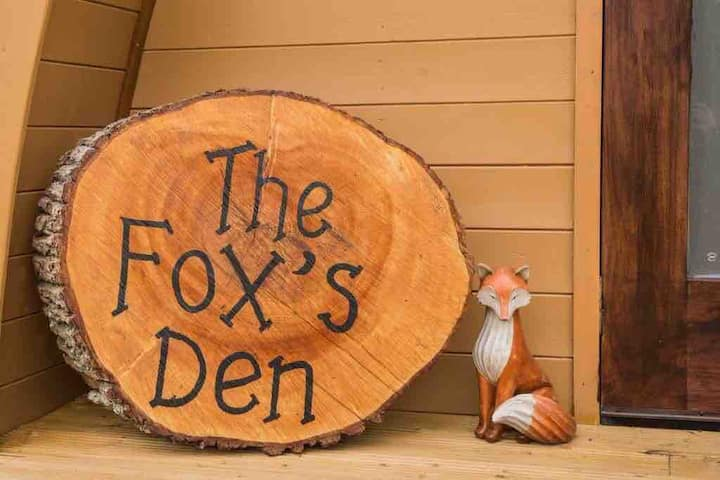 Lisnabrague Lodge Glamping Pods- The Fox's Den
