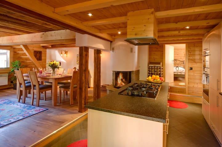 The Old House - Zermatt 4 Guests - Zermatt - Chalet