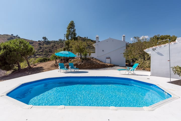 """Andalusian Home with Pool, Rooftop Terrace """"Love under the Stars,"""" Mountain View, Garden, Wi-Fi & Air Conditioning; Parking Available, Pets allowed"""