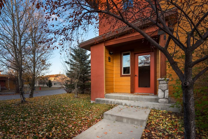 2 BR Upstairs Condo in Victor, ID- CANCELLATION SPECIAL
