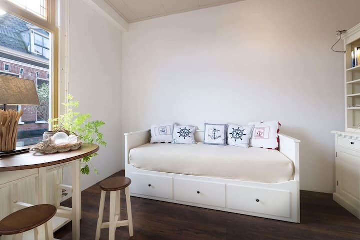B&B in the center of Kampen with private bathroom