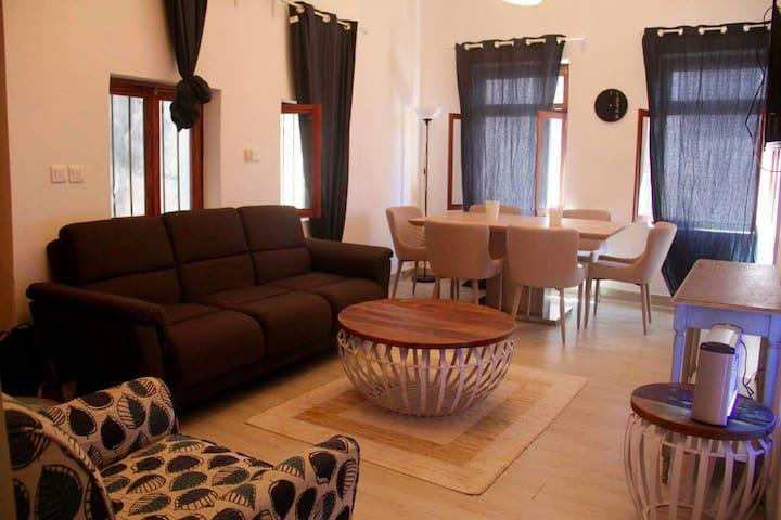 *NEW* Centrally&cozy Apartment - Zanzibar Town - Lägenhet