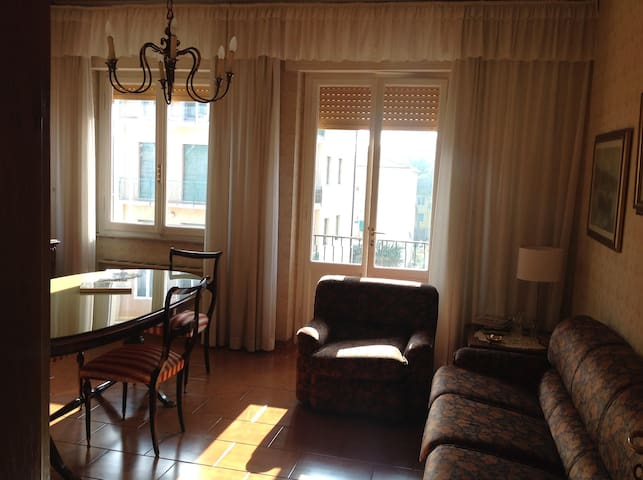 Apartment + garage + parking in Livorno, Tuscany - Livorno - Apartament