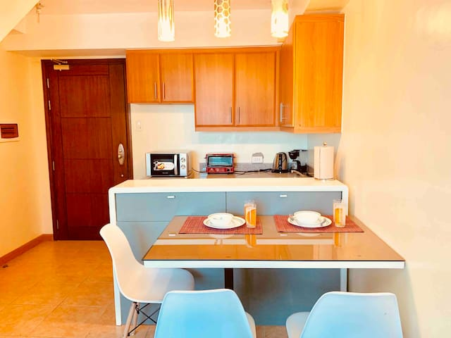 Condo Beside St Lukes and Shangrila Fort in BGC