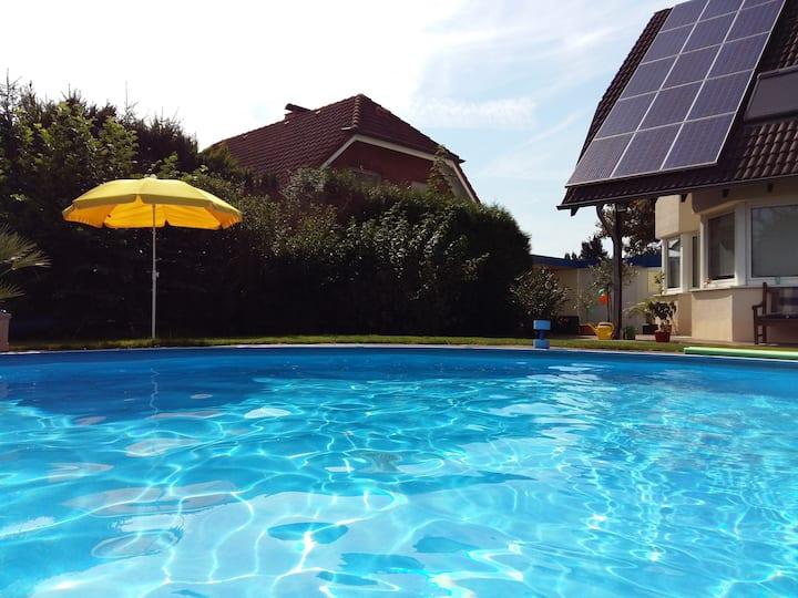 """Schönes Doppelzimmer """"Ruhrtalblick"""" mit Pool/ WLAN"""