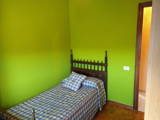 Alquiler Habitación Individual Exterior Chantada - Chantada - Leilighet