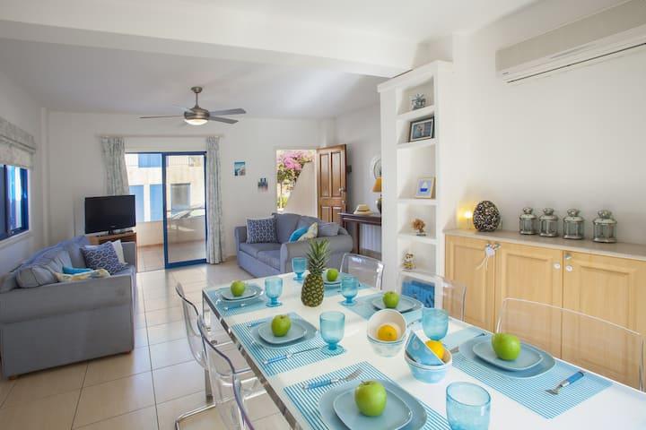 Antia,cozy, carefully decorated semidetached villa