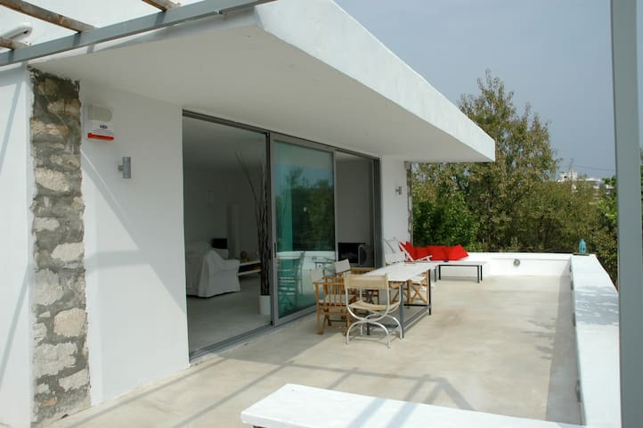 Spacious Seaside House 30 min from Athens - Artemis - Huis