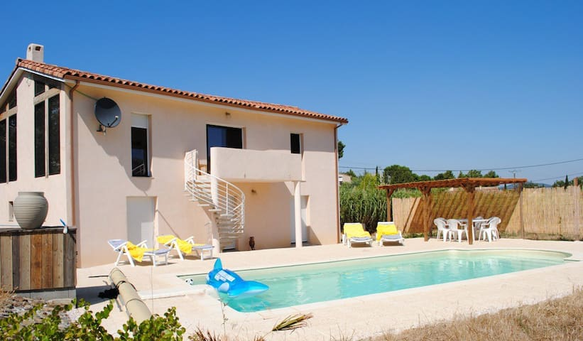 Modern, spacious Villa and pool - Embres et Castlemaure - Vila