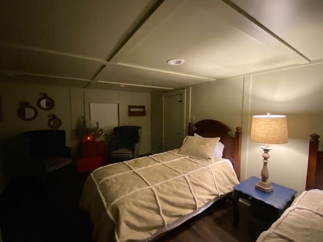 The cozy Carriage House fits all of the kids, hunting buddies or a slumber party.