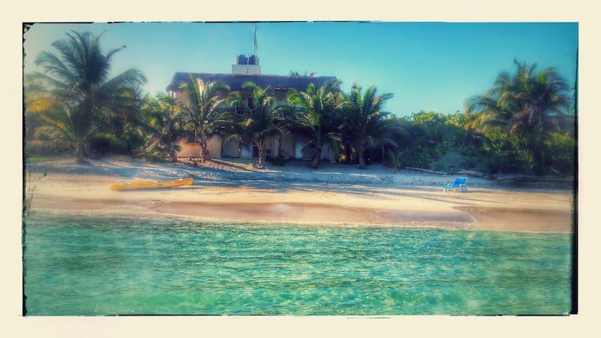 HGTVs Stunning Villa Costa Maya BeachFront Winner! - Mahahual - Villa