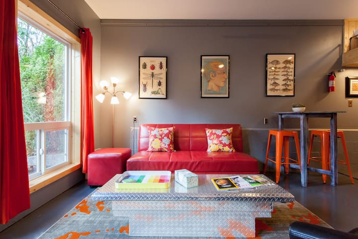 Owls Nest - Milwaukie - Guesthouse