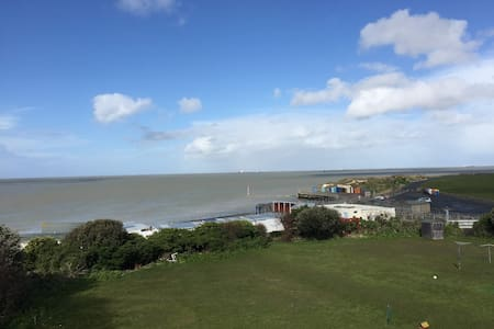 Quirky flat overlooking beach - Margate - Pis