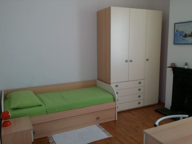 room for 1 or 2 person Eleonora