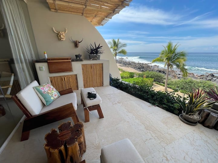Beach lovers dream beachfront villa in Troncones (F5)