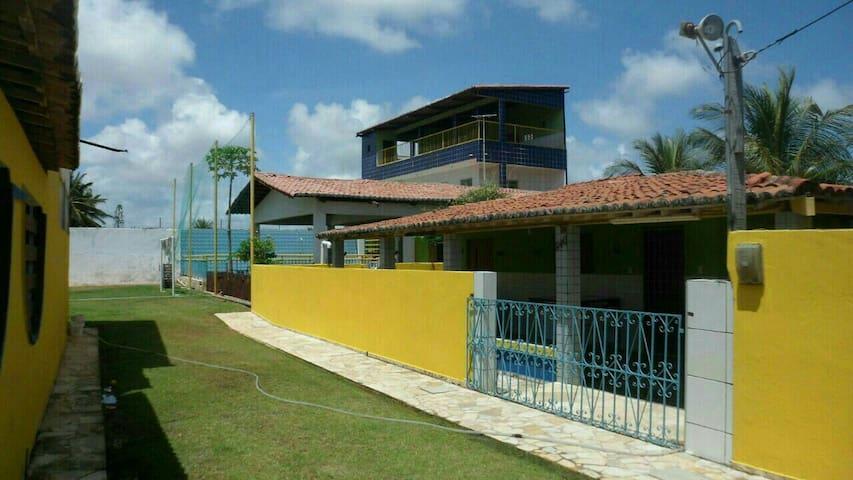 Casa com piscina e mini campo - Extremoz - Huis