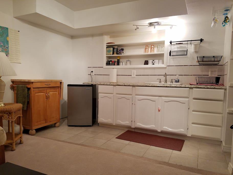 Refrigerator .. Sink
