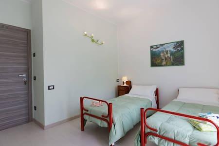 Un'esperienza piacevole di relax - Rubiana - Huis