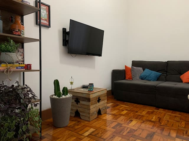 Charme e localização!! Apartamento completo.