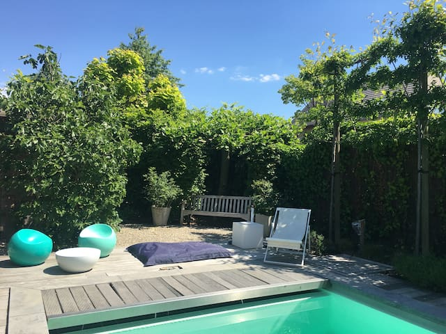 16 m2 private room in quiet green Schoten Antwerp