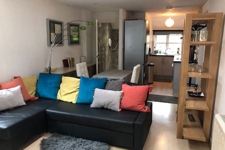 Outdoor studio flat with on street parking