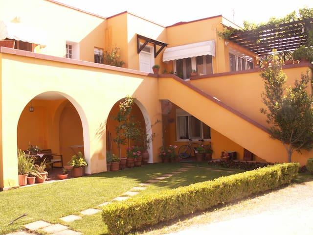 Όμορφη μονοκατοικία με κήπο - Chalastra - Haus