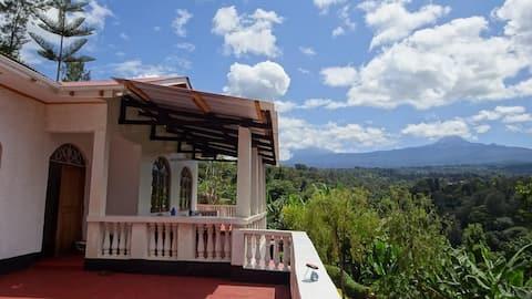 Kilema Paradise ecolodge with AMAZING view! room 3