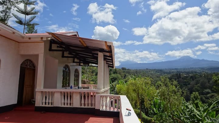 Kilema Paradise ecolodge with AMAZING view! room 5