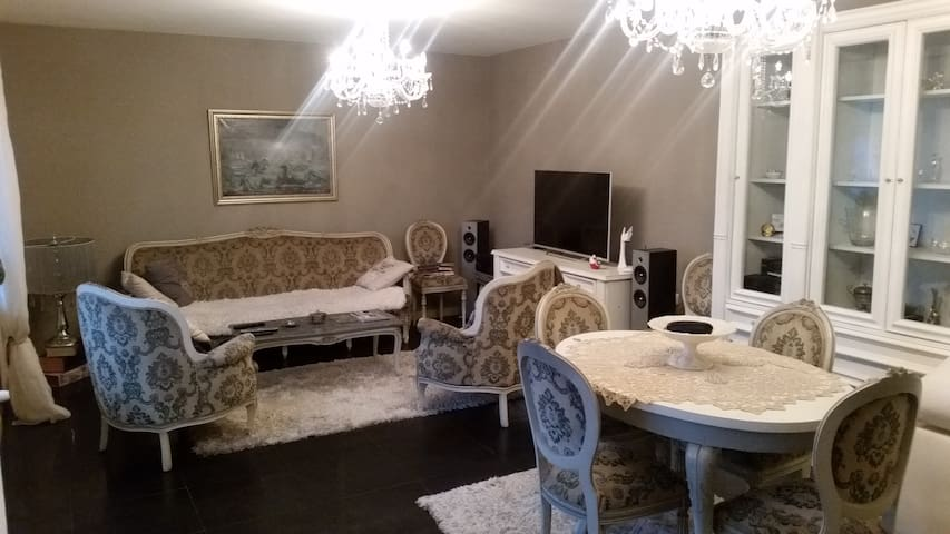 Good location, luxurious, eqiupped - Sofia - Apartment