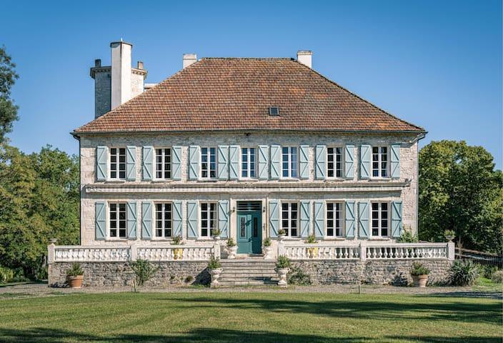 Château Les Estournels