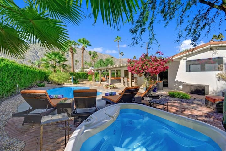 OVER SPA -Oranj  Palm Vacation Homes