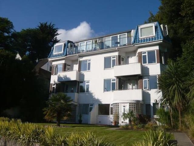 Spacious, clean double bedroom. Fantastic location - Bournemouth - Apartmen