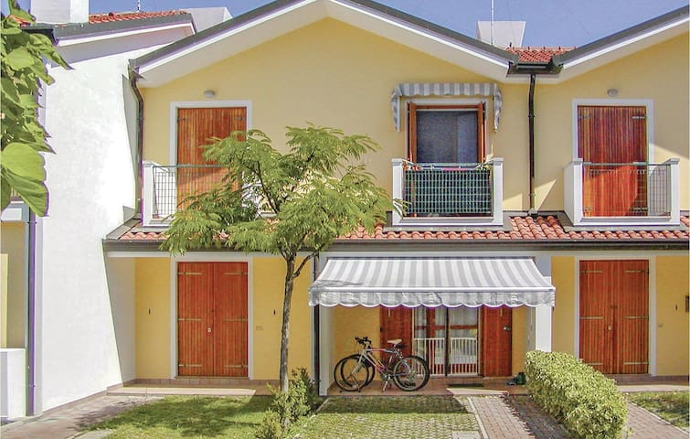 Terraced house with 2 bedrooms on 60m² in Rosolina Mare RO