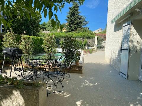 Appartement indépendant avec terrasse