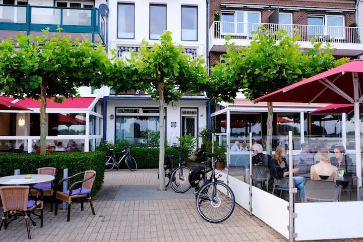 Bike-friendly B&B on the Rhine Cycle Route