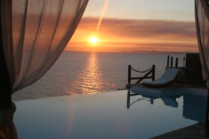 Villa stoneflower with breathtaking sunsets - Koundouros - Villa