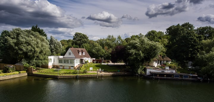 Chateau Gato- Thames Retreat